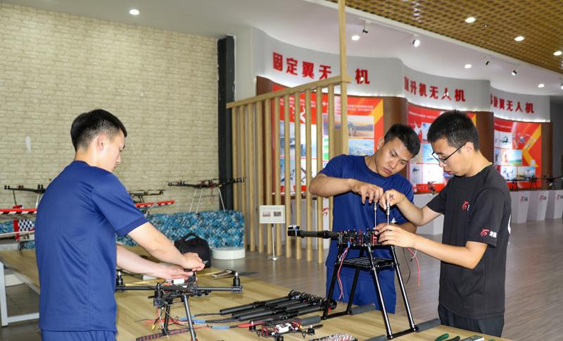 长春消防总队与中科智航联合开展无人机维修培训班