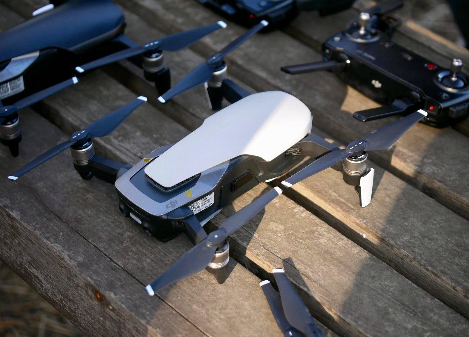 无人机应该持证飞行吗?无人机归谁管?