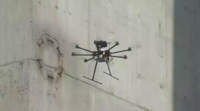 如何使用无人机进行桥梁检测?